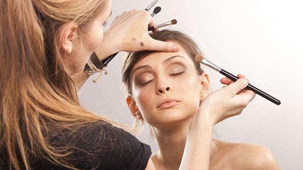 Nhận làm dịch vụ make up