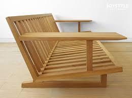 Sofa gỗ tự nhiên biến đổi qua từng thời kỳ