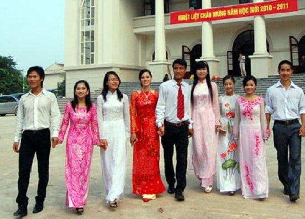 Sinh viên trường sư phạm được đào tạo kĩ năng sư phạm