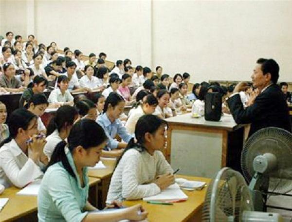 Sinh viên trường sư phạm thường được đánh giá là ngoan, hiền, giản dị