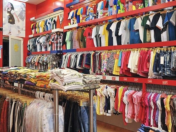 Trang trí cửa hàng nổi bật và thu hút