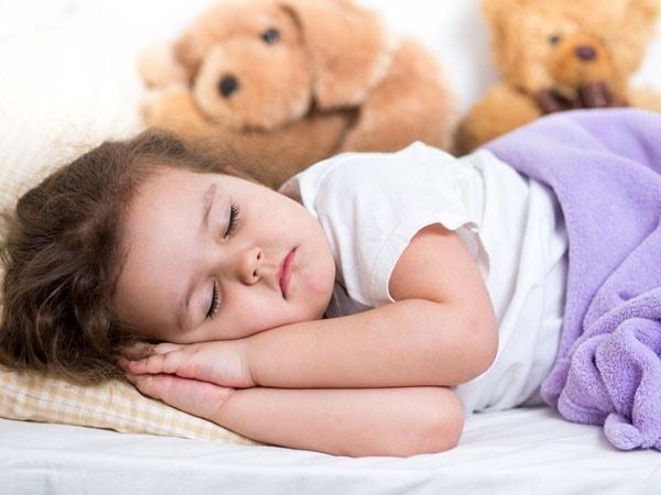 Cho trẻ ngủ riêng là cách dạy tính tự lập hiệu quả