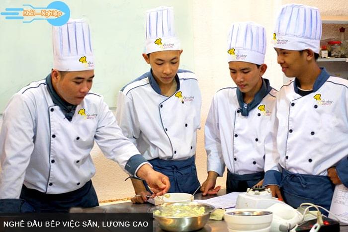 Nghề đầu bếp việc sẵn, lương cao