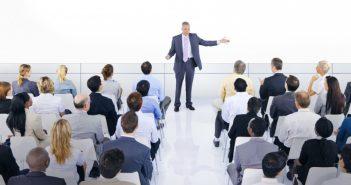 10 kỹ năng thuyết phục người khác tại đám đông dành cho Startup