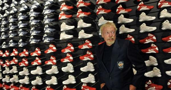 Sự phát triển của Nike đã đưa Phil Knight trở thành tỷ phú thế giới