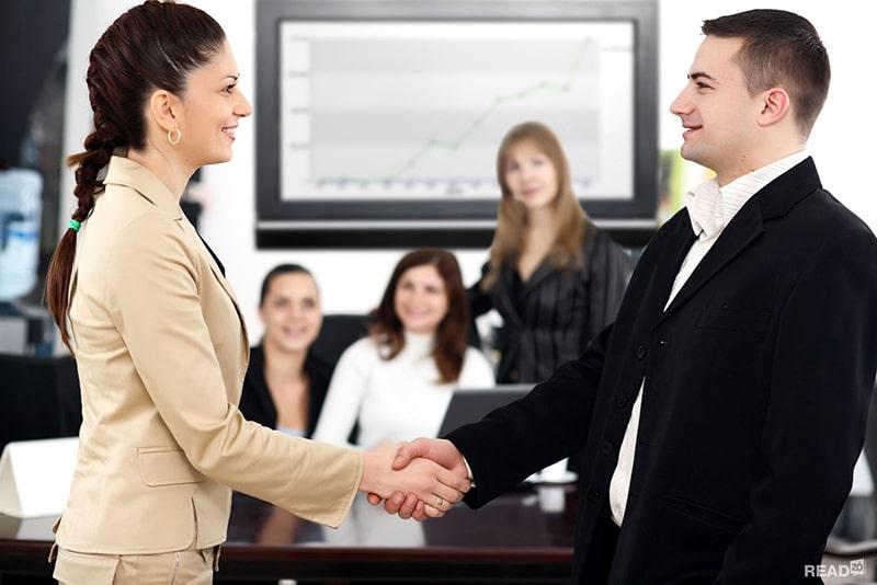 Để trở thành sale bất động sản giỏi cần có kỹ năng giao tiếp và đàm phán